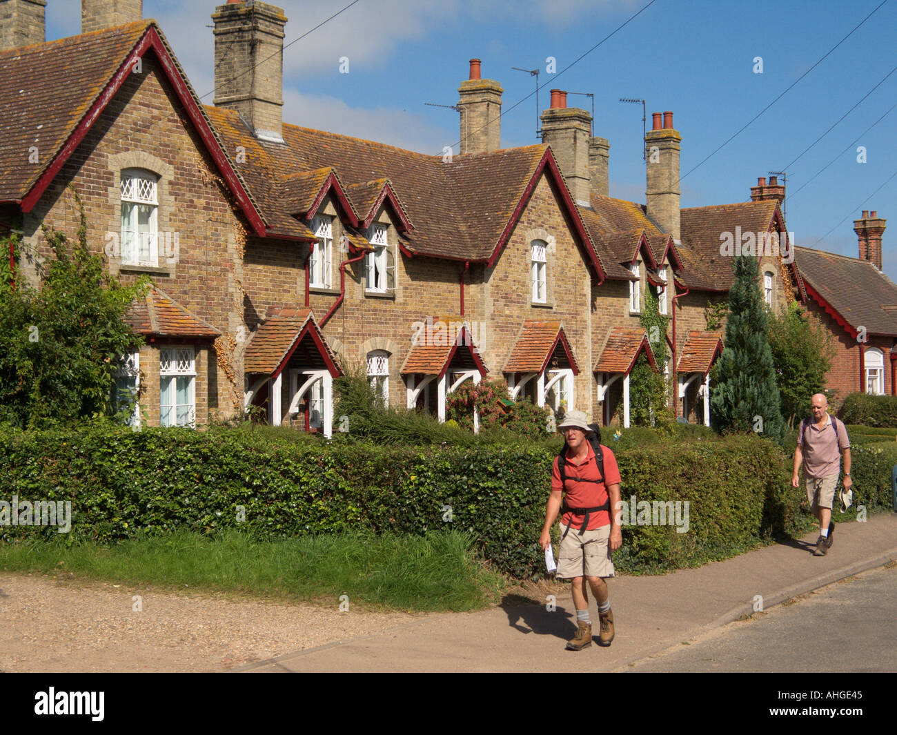 Country Village Walks and Walking Widows Cottages Somerleyton Suffolk England GB - Stock Image