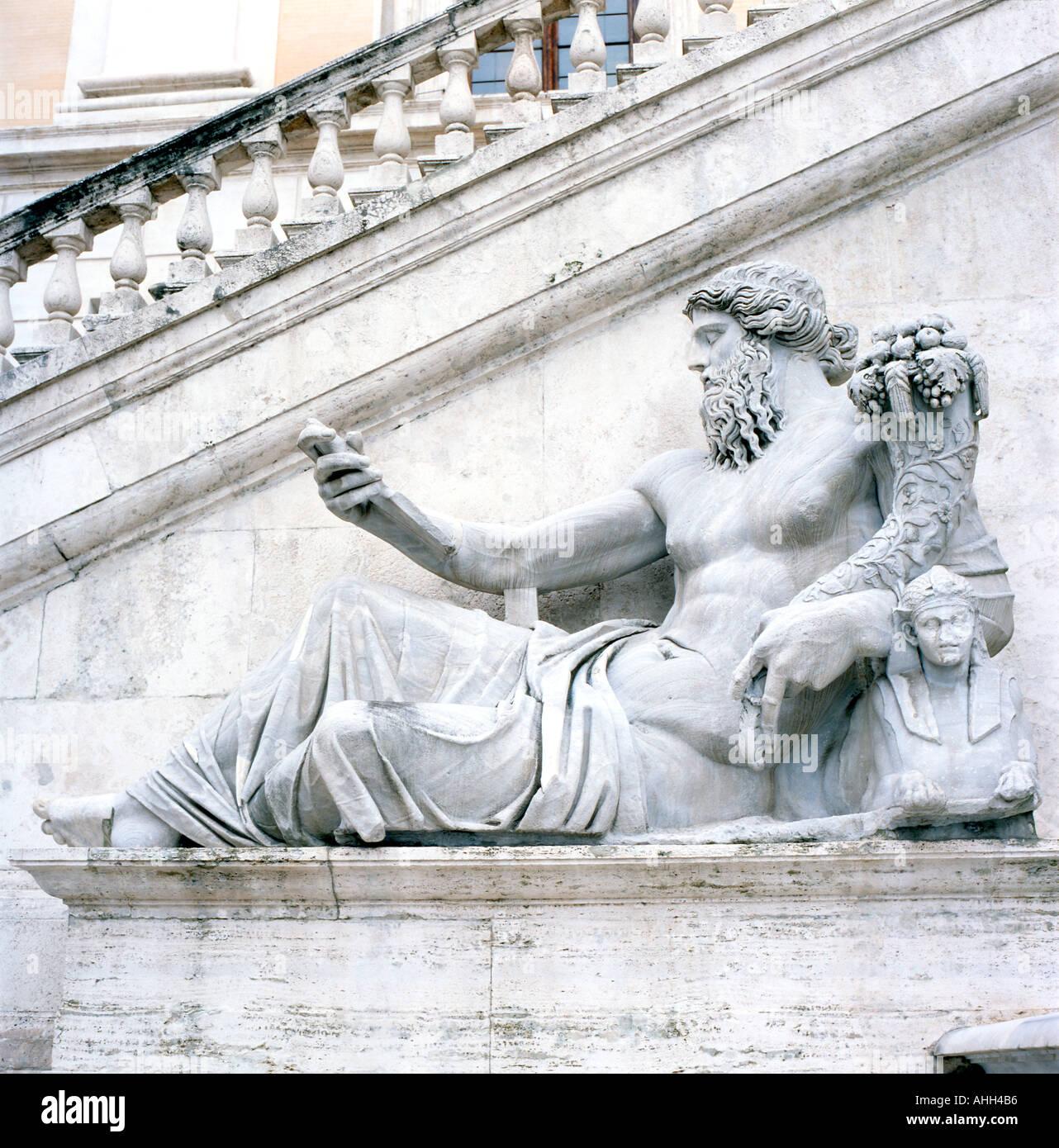Statue of Zeus  god of thunder on the Capitoline Hill, Palazzo Senatorio, Capitolene Hill in Rome Italy  KATHY DEWITT - Stock Image