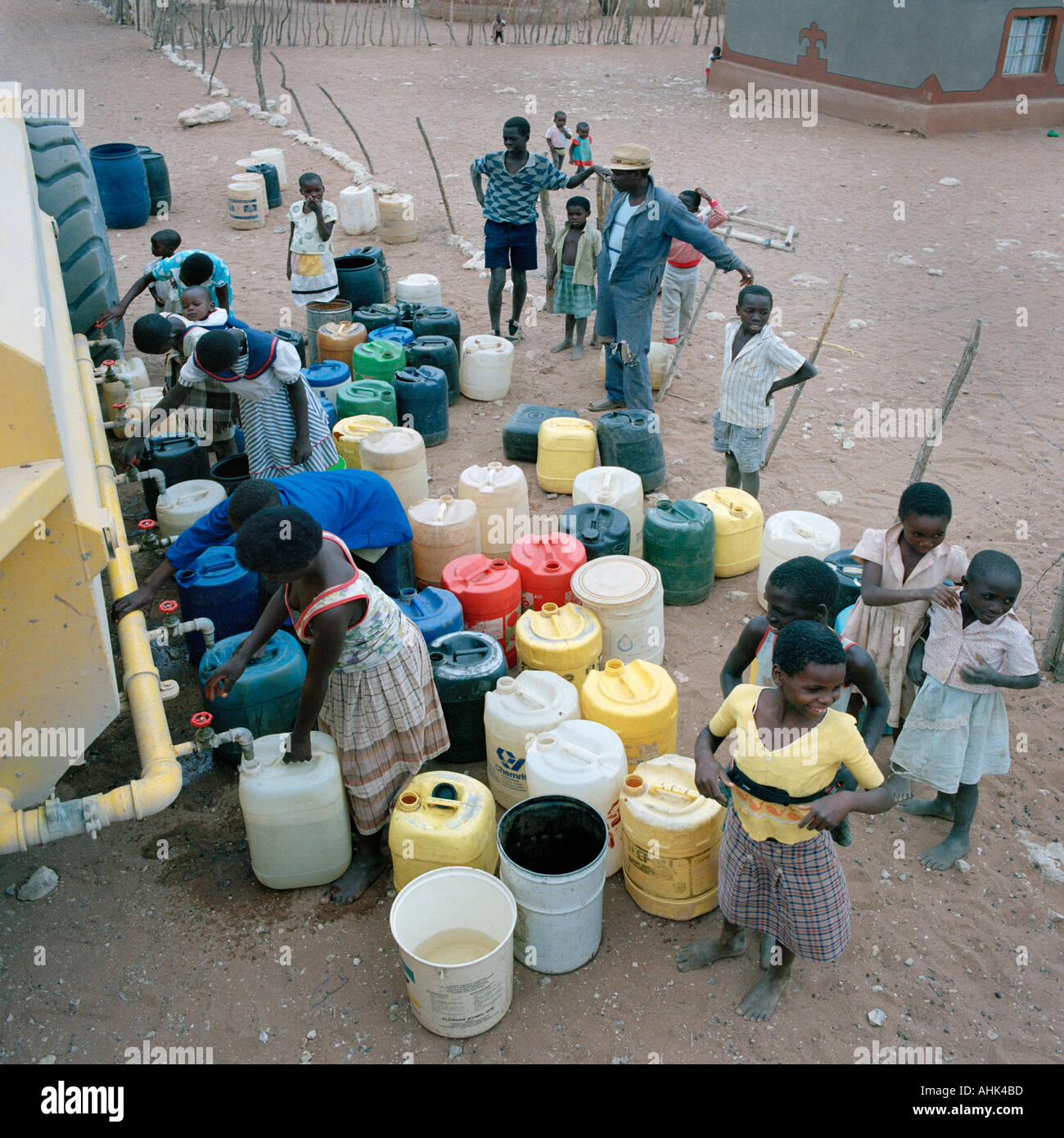 Emergency water tanker delivery to Muswodi village in drought stricken Venda in South Africa - Stock Image