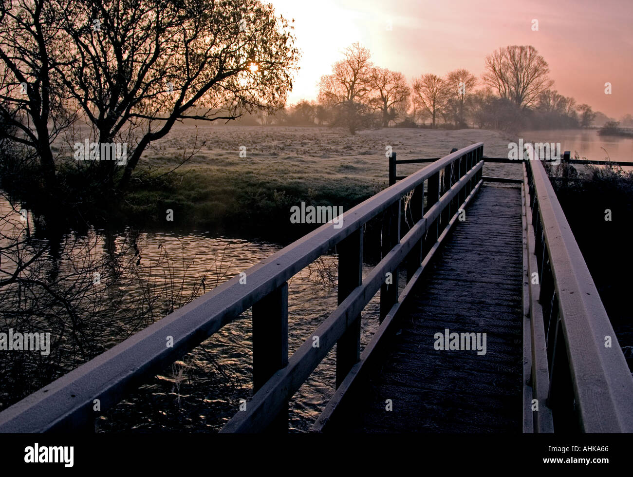 Early morning. River Ouse Houghton Cambs England. - Stock Image