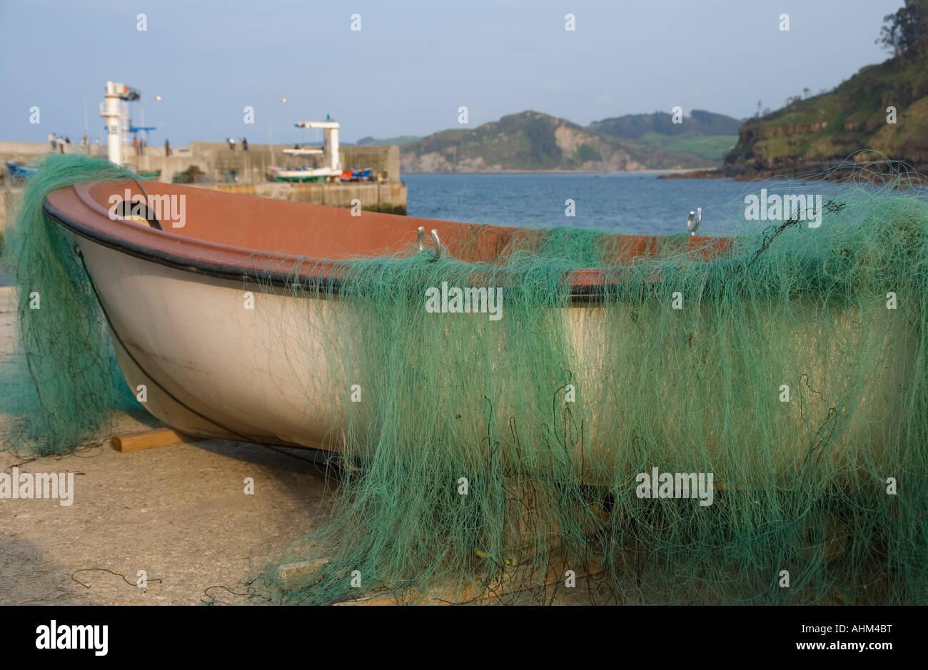 barca de pescadores en el puerto de tazones asturias oriental,españa,spain - Stock Image