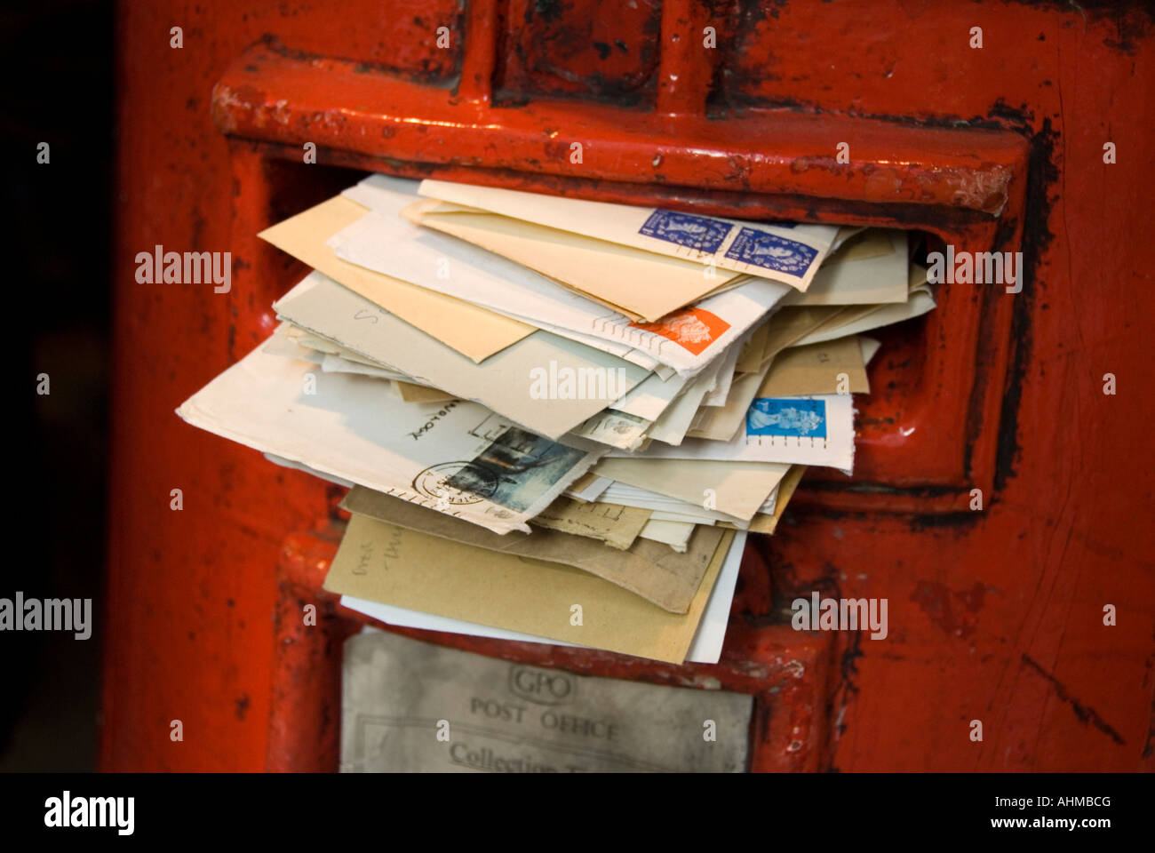Overflowing Mailbox Stock Photos Amp Overflowing Mailbox