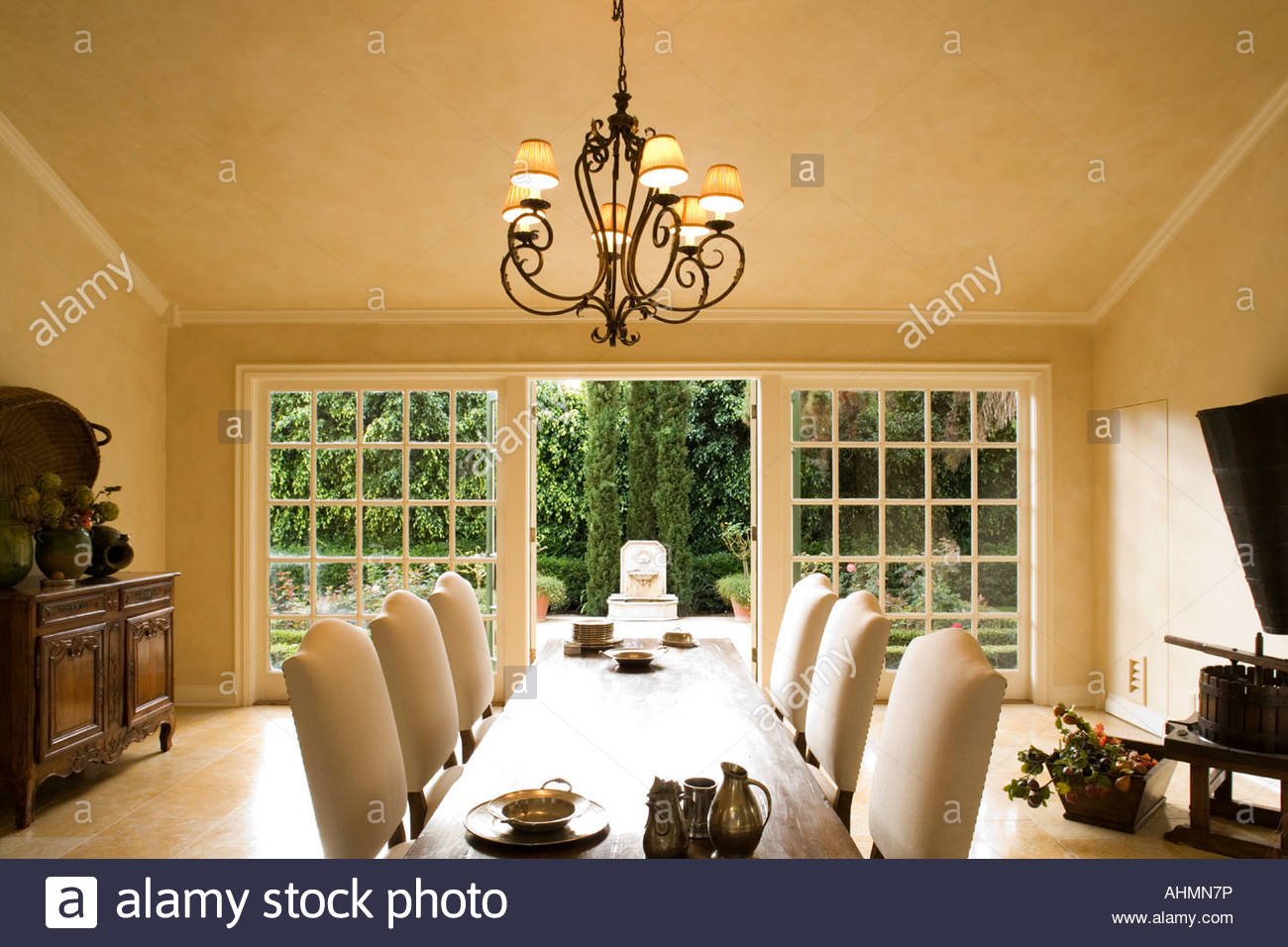 Large Elegant Tuscan Style Dining Room Stock Photo: 14508009 ...