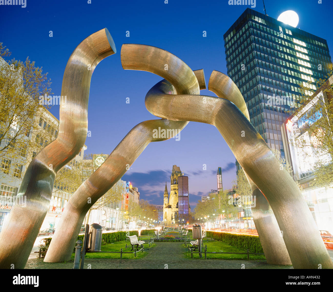 Kaiser wilhelm church and berlin sculpture Berlin - Stock Image