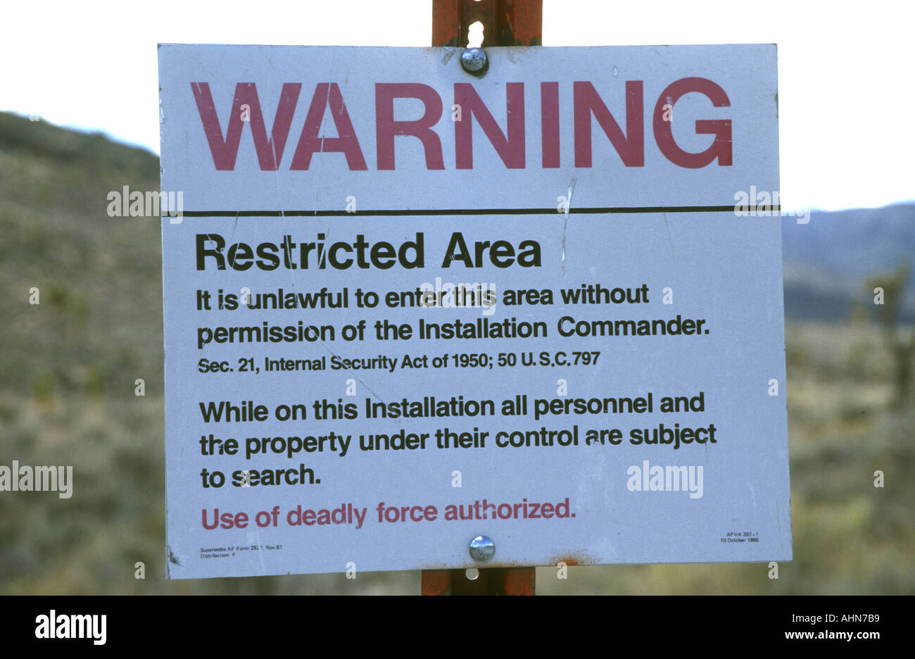 Sign at the boundary of Area 51 Nevada Stock Photo: 2693048 - Alamy