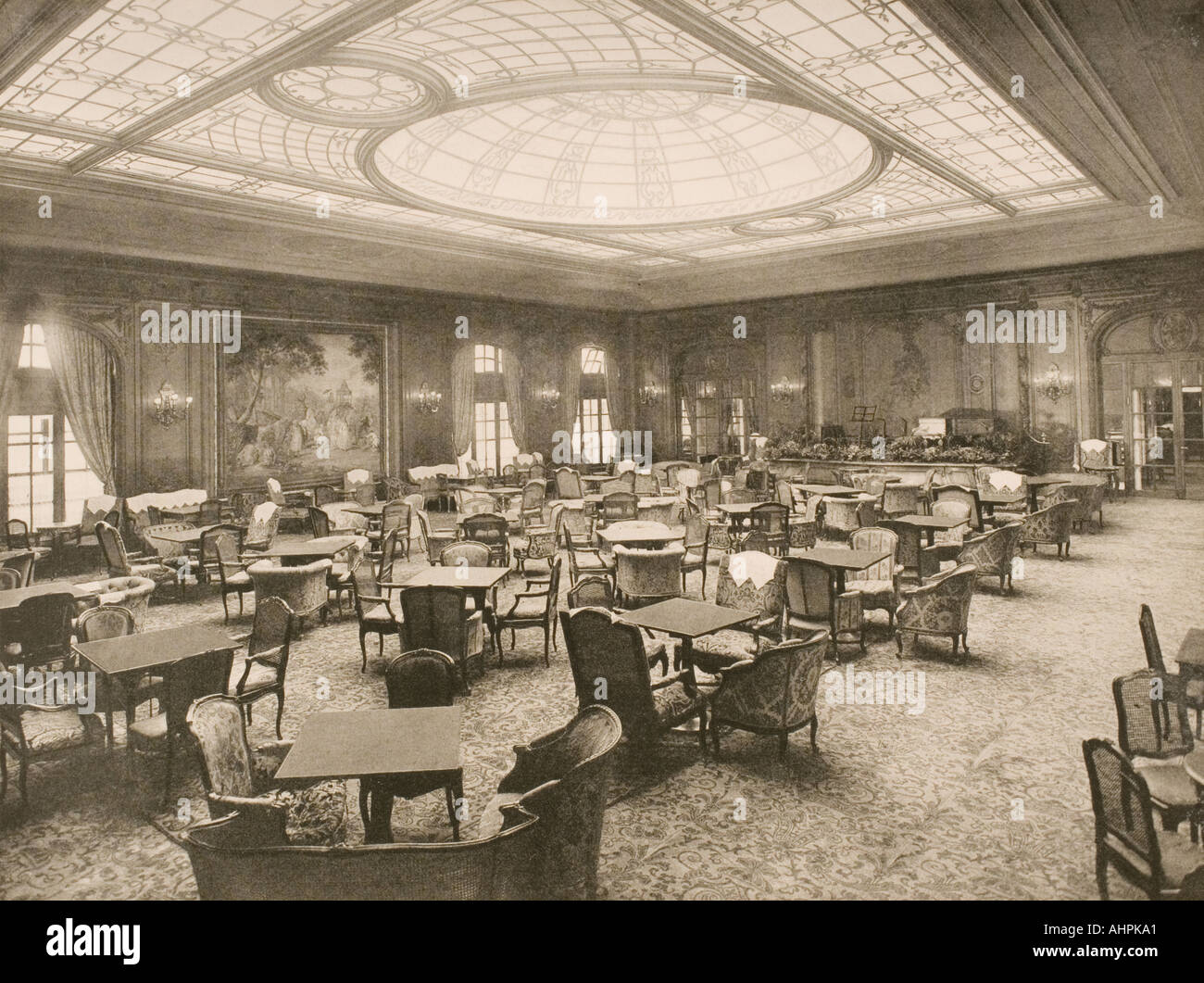 Cunard Line promotional brochure for the Berengaria circa 1930 The solarium lounge - Stock Image