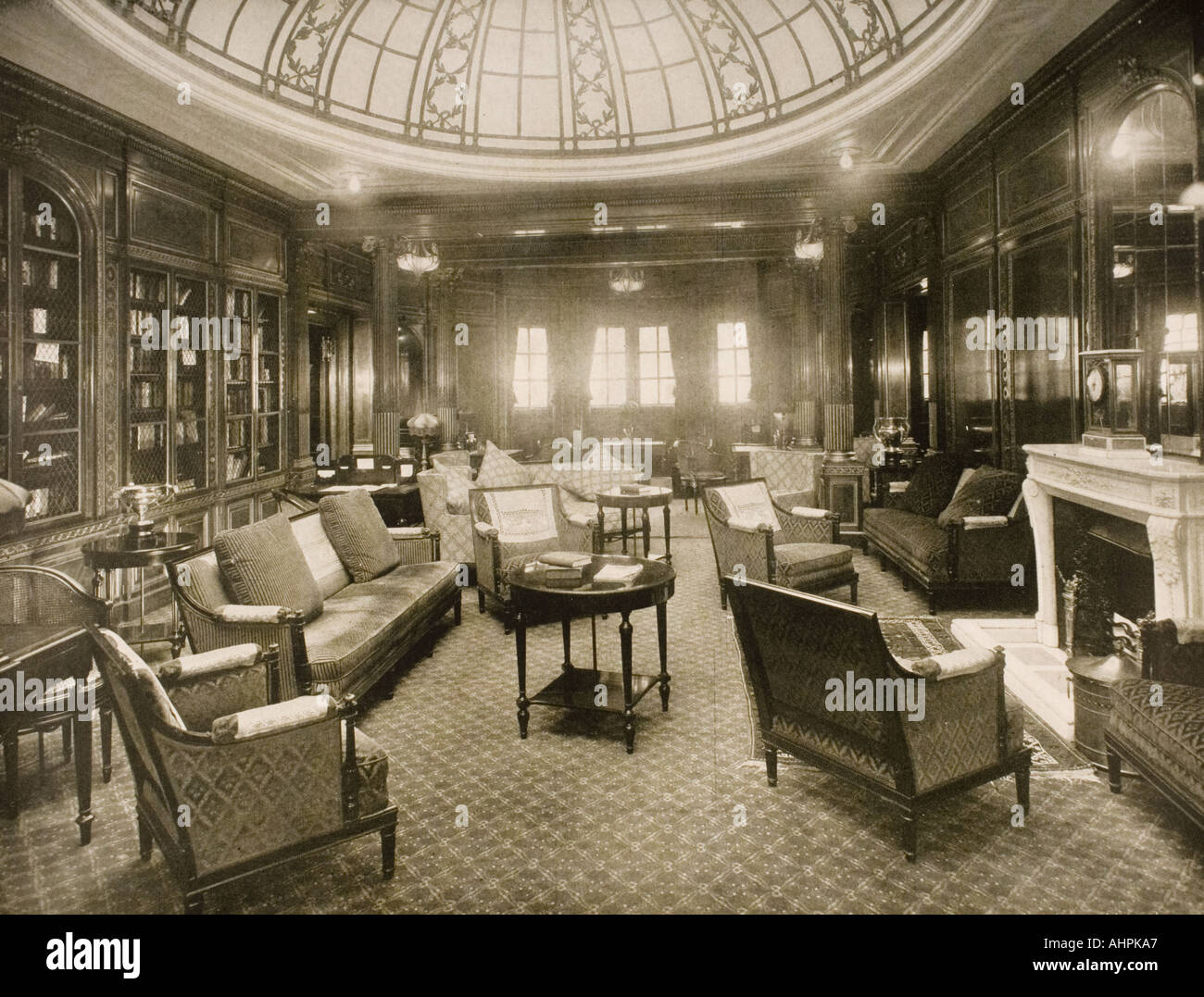 Cunard Line promotional brochure for Mauretania circa 1930 The library and writing room - Stock Image
