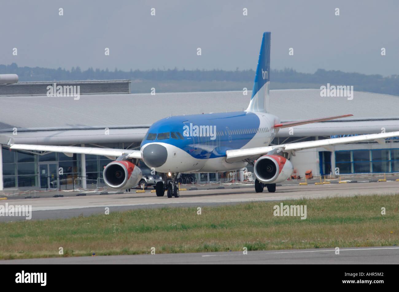 British Midland Boeing Airbus 319 Civil Passenger Airliner. Registration G-DBCD Inverness Airport.   XAV 1250-301 - Stock Image