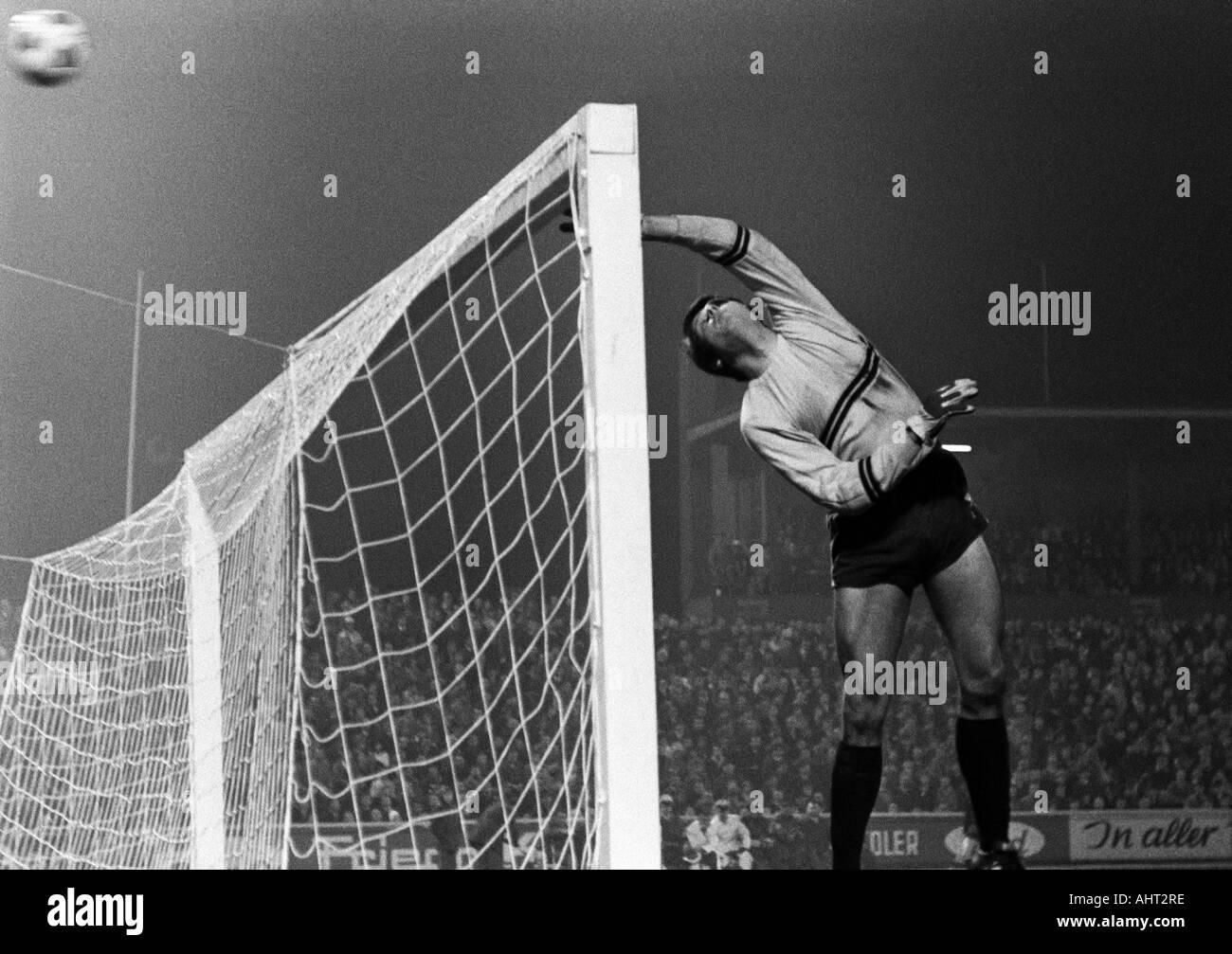 football, Bundesliga, 1970/1971, Niederrhein Stadium in Oberhausen, Rot-Weiss Oberhausen versus FC Bayern Munich 0:4, scene of the match, ball misses the goal, no danger to keeper Wolfgang Scheid (OB) - Stock Image