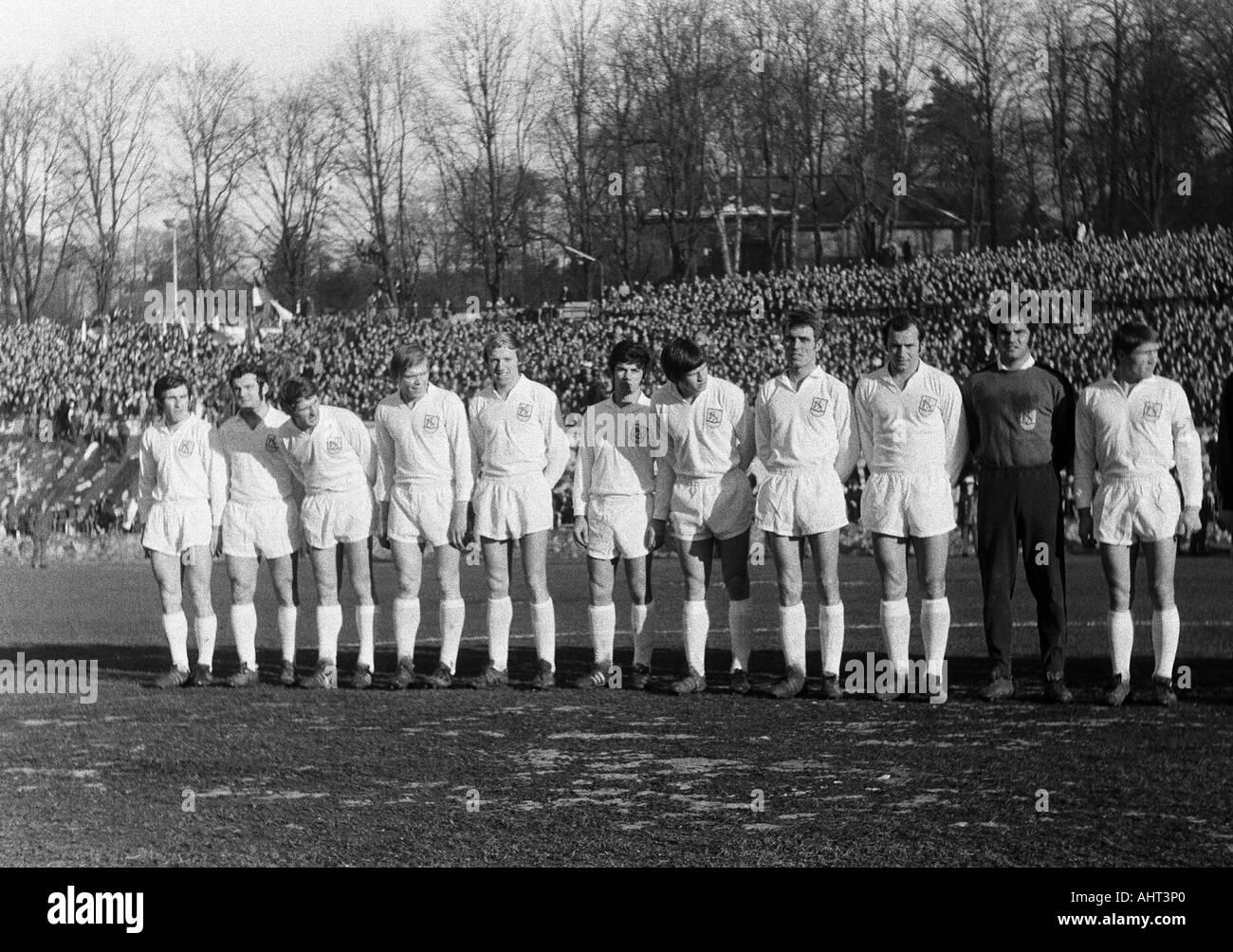 football, Regionalliga West, 1970/1971, Stadium am Zoo in Wuppertal, Wuppertaler SV versus Fortuna Duesseldorf 1:1, team photograph, shot of the Wuppertal team, f.l.t.r. Gustav Jung, Emil Meisen, Guenter Proepper, Manfred Cremer, Bernhard Hermes, Heinz Di - Stock Image