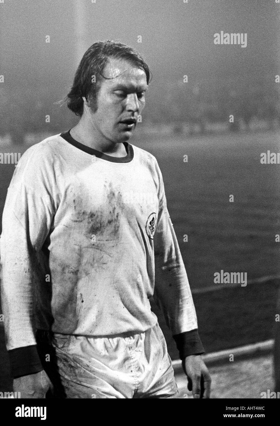 football, Bundesliga, 1970/1971, Niederrhein Stadium, Rot-Weiss Oberhausen versus Hanover 96 4:3, football player, Stock Photo