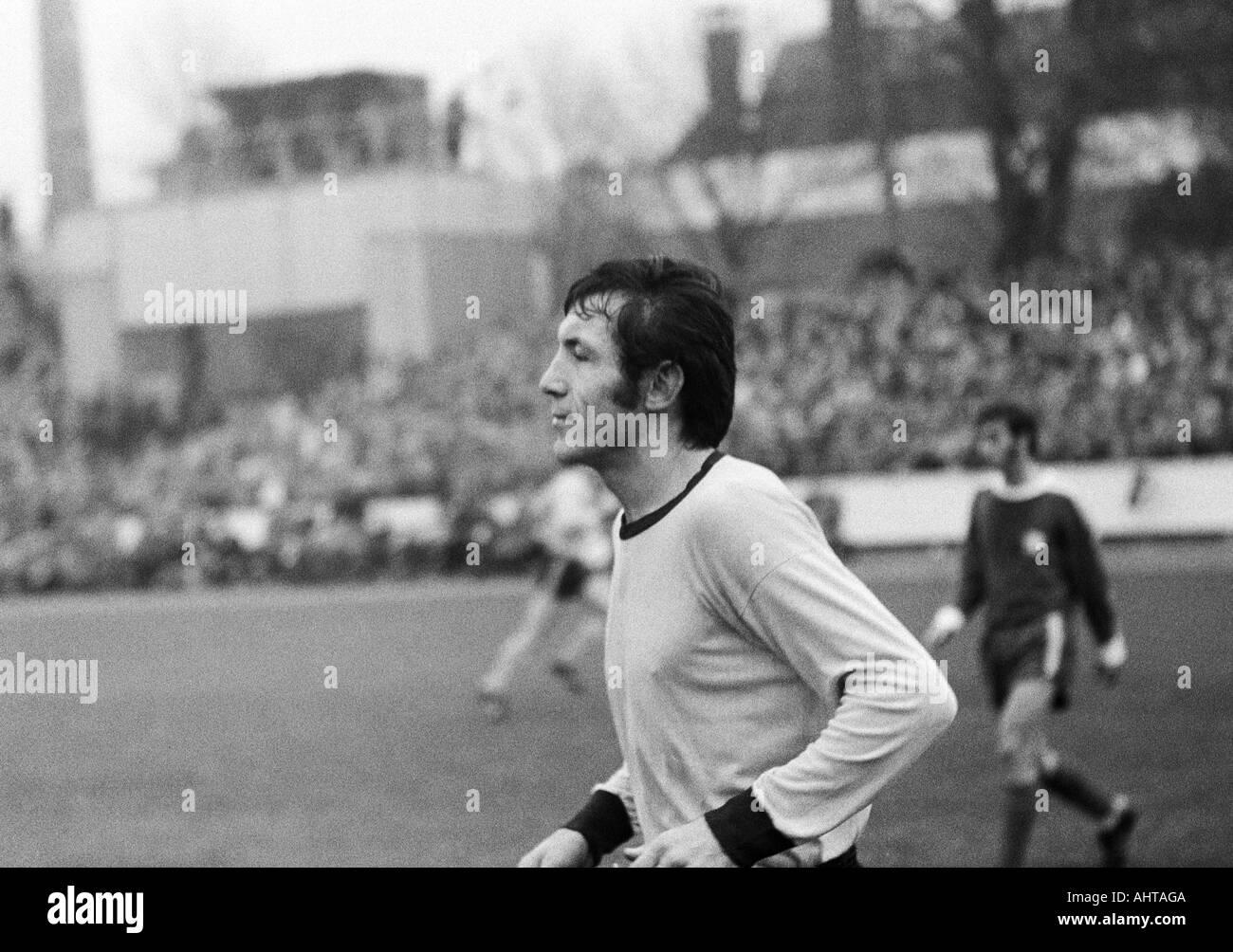 football, Bundesliga, 1971/1972, VfL Bochum versus Borussia Dortmund 4:2, Stadium at the Castroper Strasse in Bochum, football player, Branco Rasovic (BVB) - Stock Image
