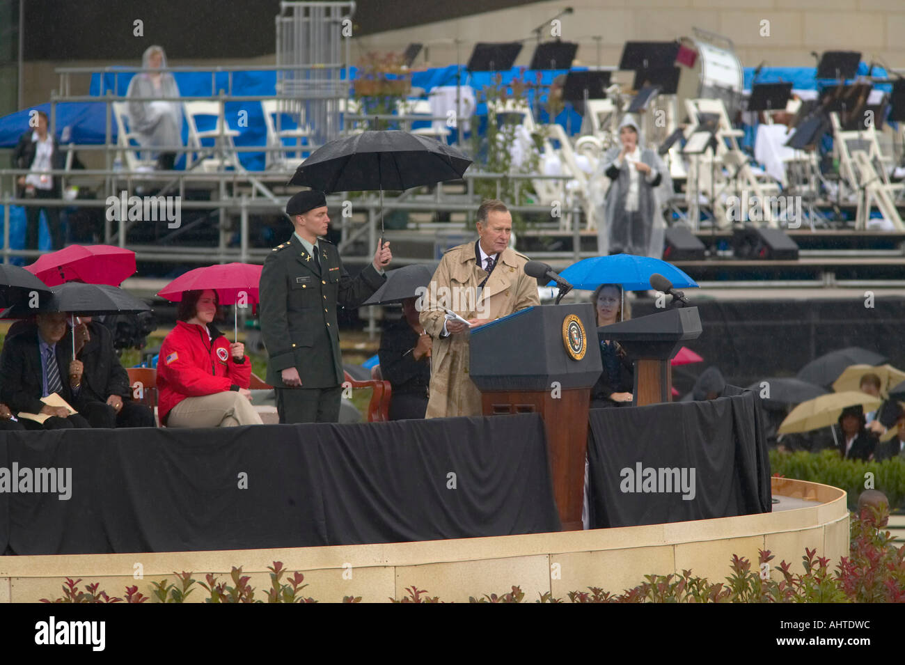 Former US President George HW Bush speaks during the grand opening ceremony of the William J Clinton Presidential Center in - Stock Image