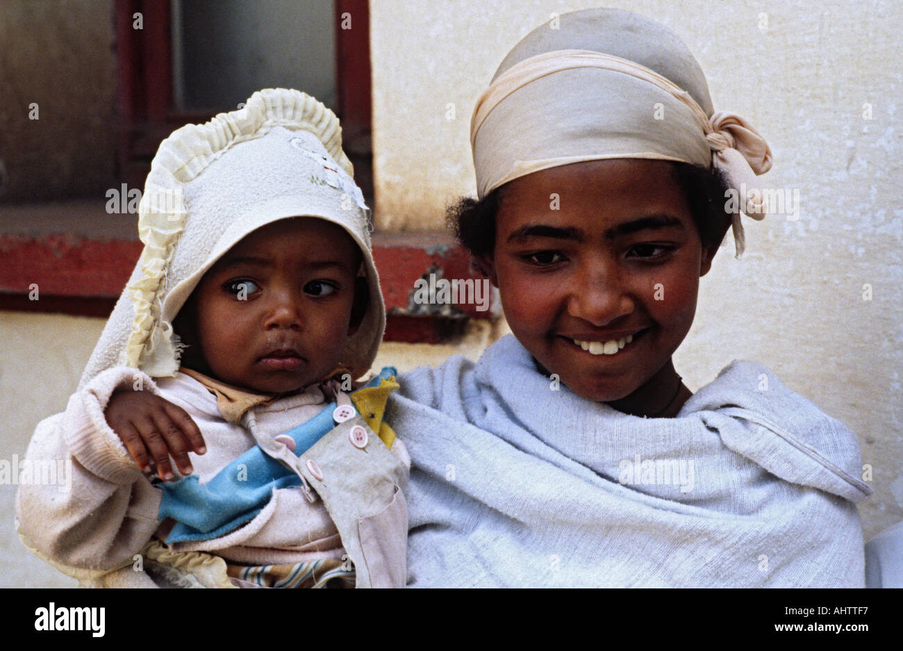 Mother and baby at an ante and postnatal clinic. Ethiopia - Stock Image