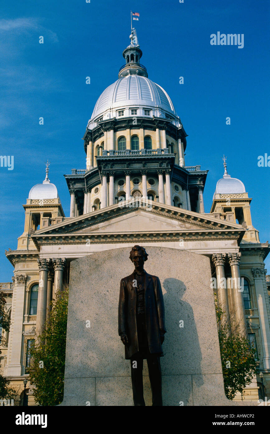 This is the State Capitol Building It has a statue of Abraham Lincoln in front of it made of bronze Illinois is known as the - Stock Image