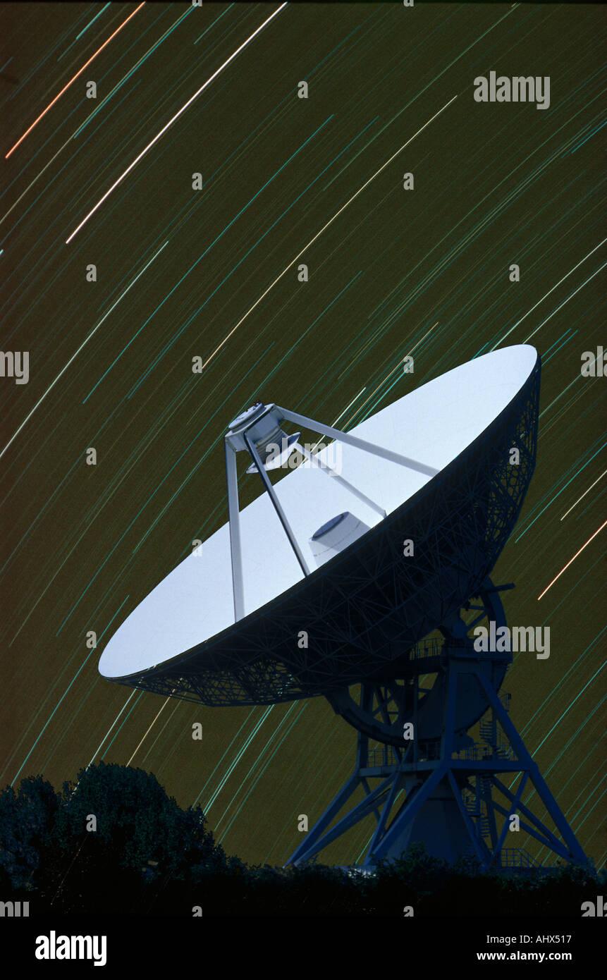 32 metre Radiotelescope with star trails Barton Cambridge - Stock Image
