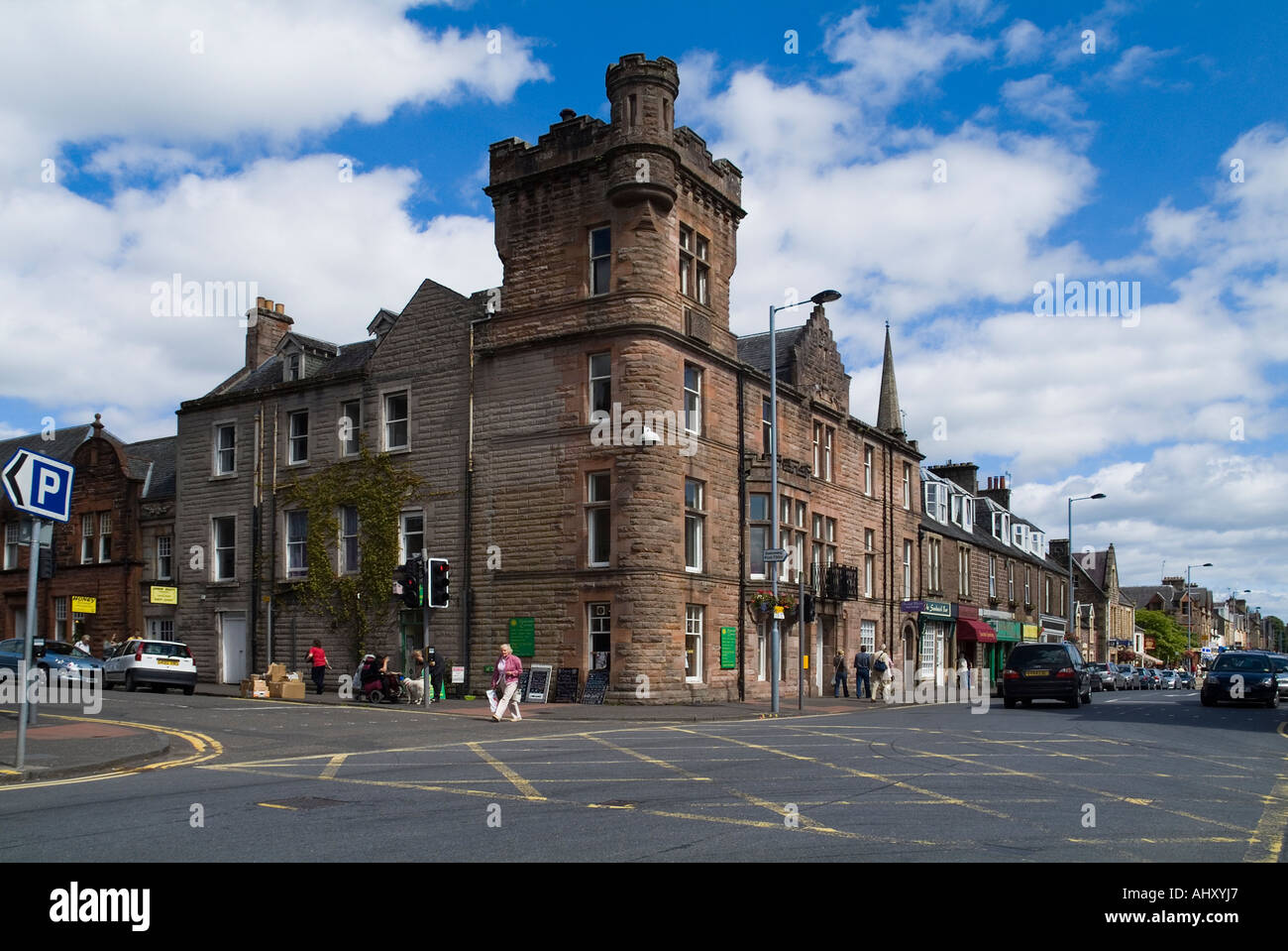 dh  CALLANDER STIRLINGSHIRE Scottish Victorian building in centre of town main street historic Stock Photo