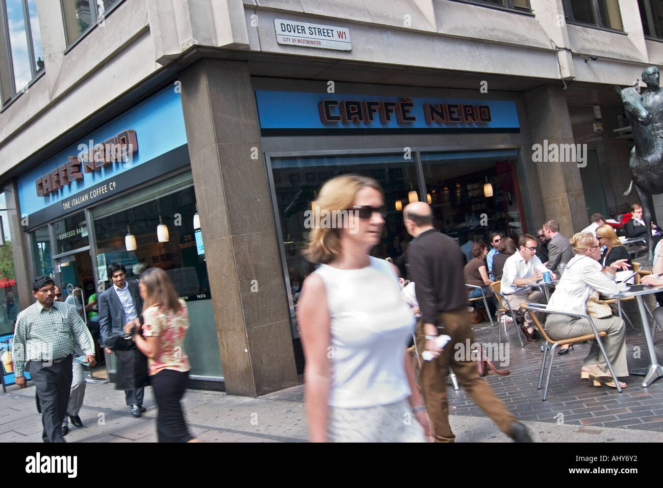Caffe Nero Coffee Shop On Piccadilly London Stock Photo