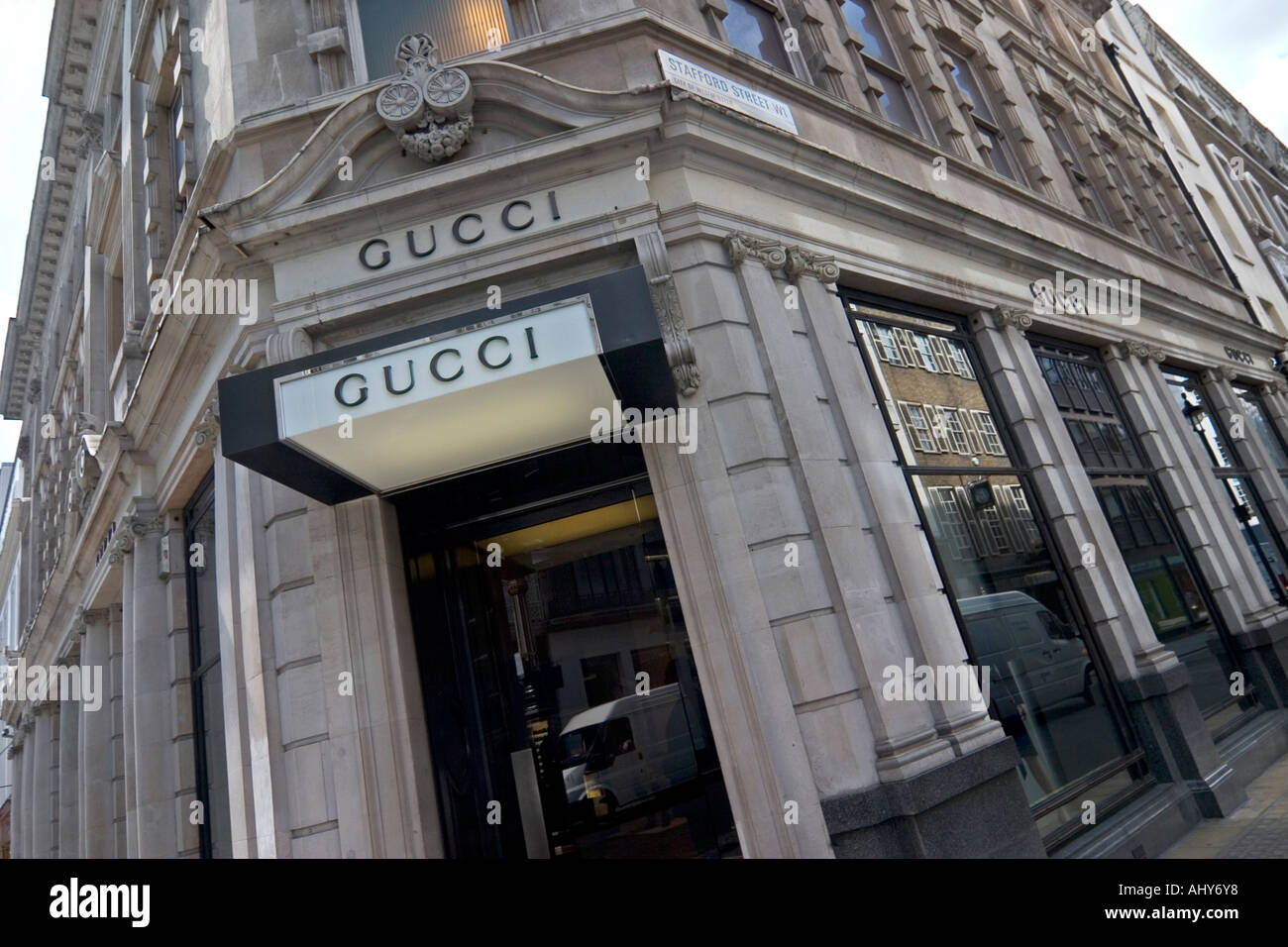 8d4602e72f Gucci Store Bond Street Stock Photos & Gucci Store Bond Street Stock ...