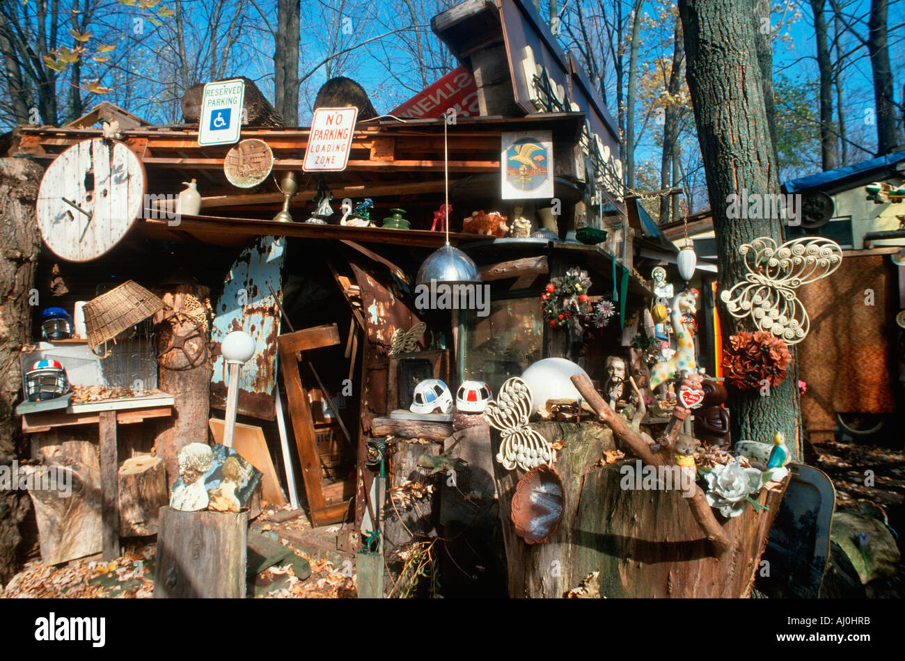Collectibles and junk in a back yard Highway 90 NY - Stock Image
