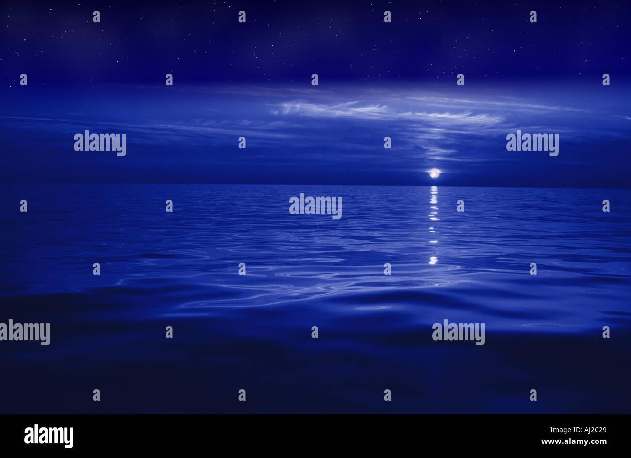 moonrise over sea - Stock Image
