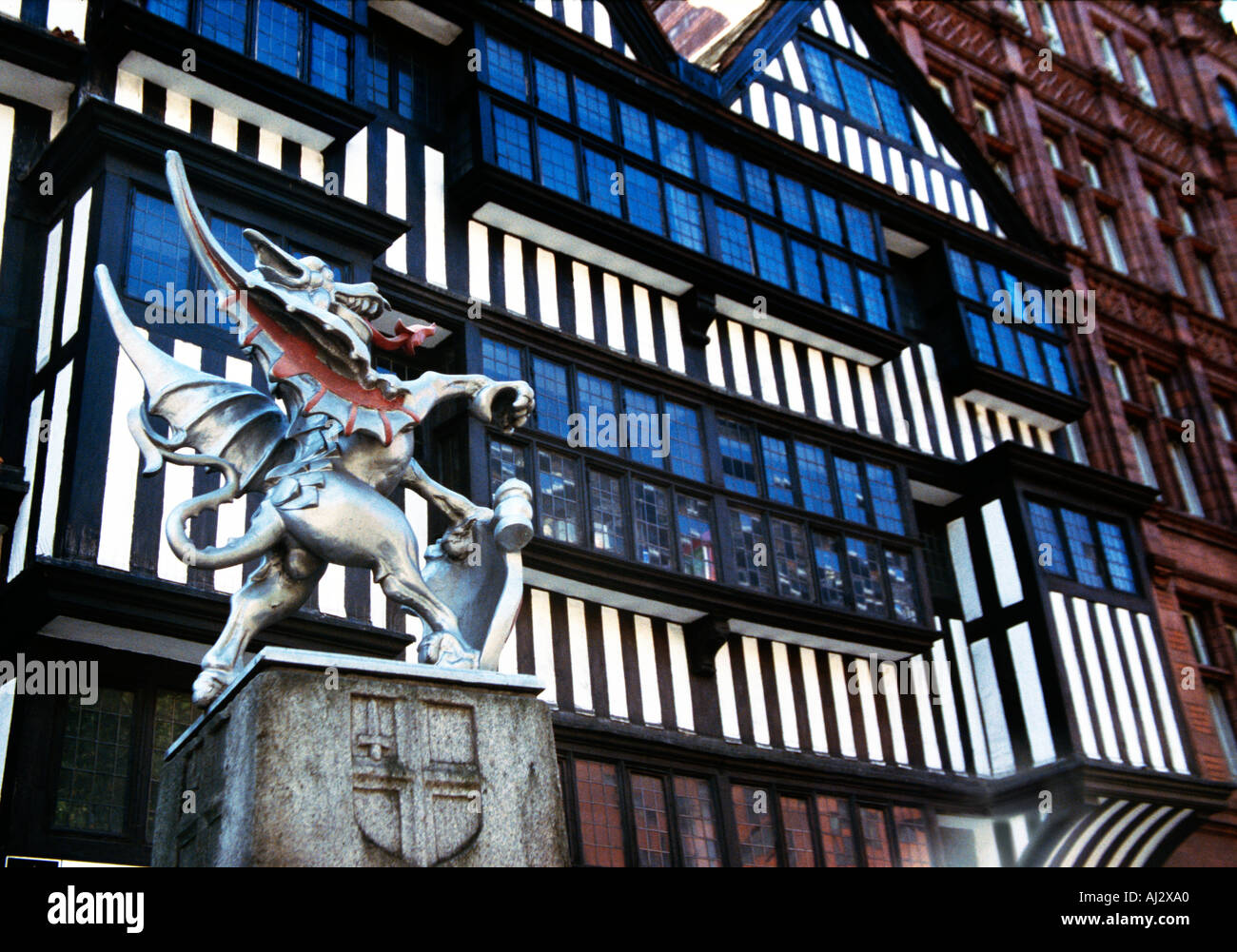 Dragon figure and shield of Saint George at entrance to City of London at Holborn - Stock Image