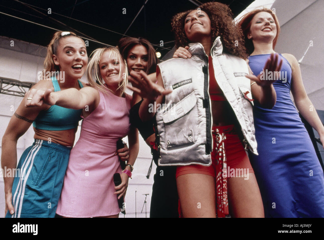 SPICE GIRLS UK pop group in 1996 from left Melanie Chisholm, Emma Bunton,  Victoria Beckham. Melanie Brown and Geri Halliwell