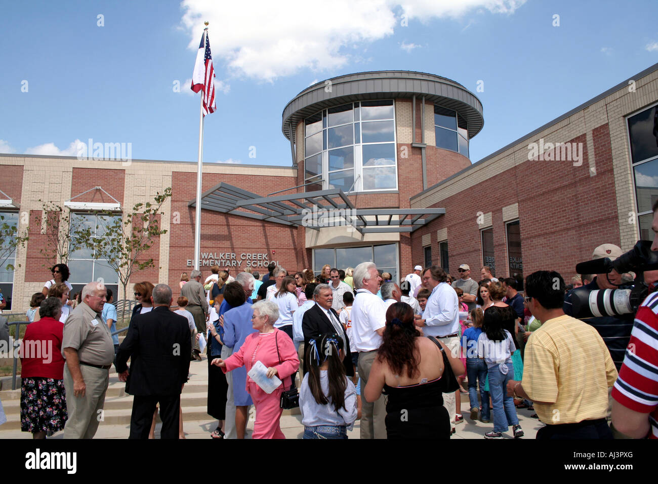Ribbon Cutting Ceremony Of Birdville Independent School District S Stock Photo Alamy
