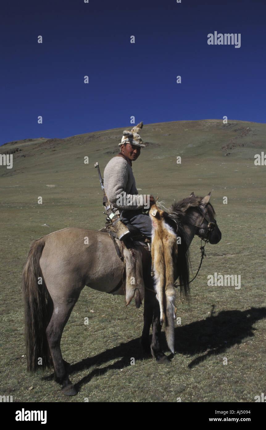 marmot-hunter-mongolia-AJ5094.jpg
