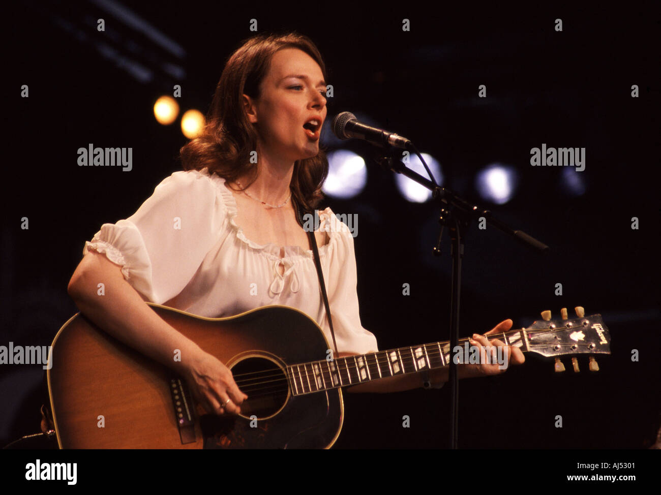 Laura Cantrell at the Cambridge Folk Festival 2003 - Stock Image