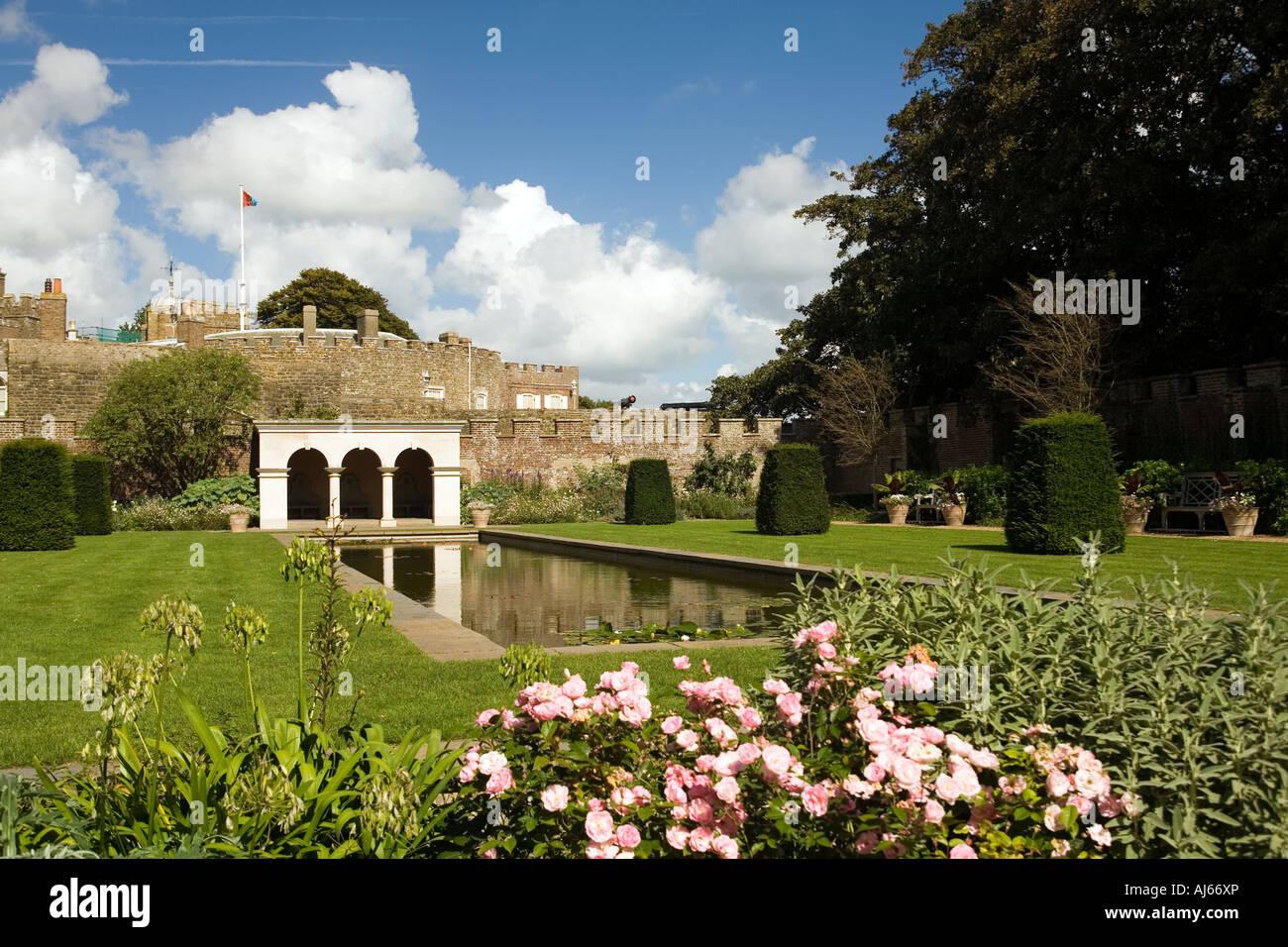 UK Kent Deal Walmer Castle Queen mothers rose garden - Stock Image