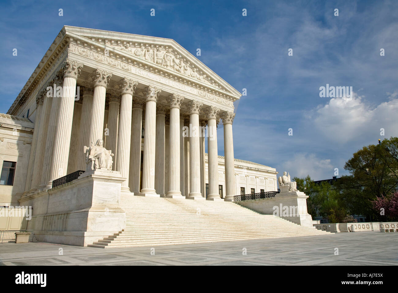 The United States Supreme Court Building was designed in a classical Corinthian architectural style, Washington - Stock Image