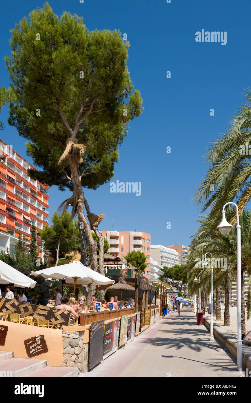 Beachfront Cafe, Magaluf, Bay of Palma, Mallorca, Balearic Islands, Spain - Stock Image