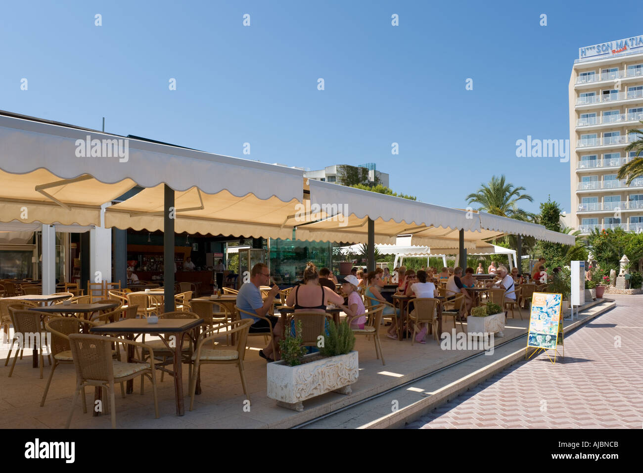 Restaurant on the promenade in Palma Nova, Bay of Palma, Mallorca, Balearic Islands, Spain - Stock Image