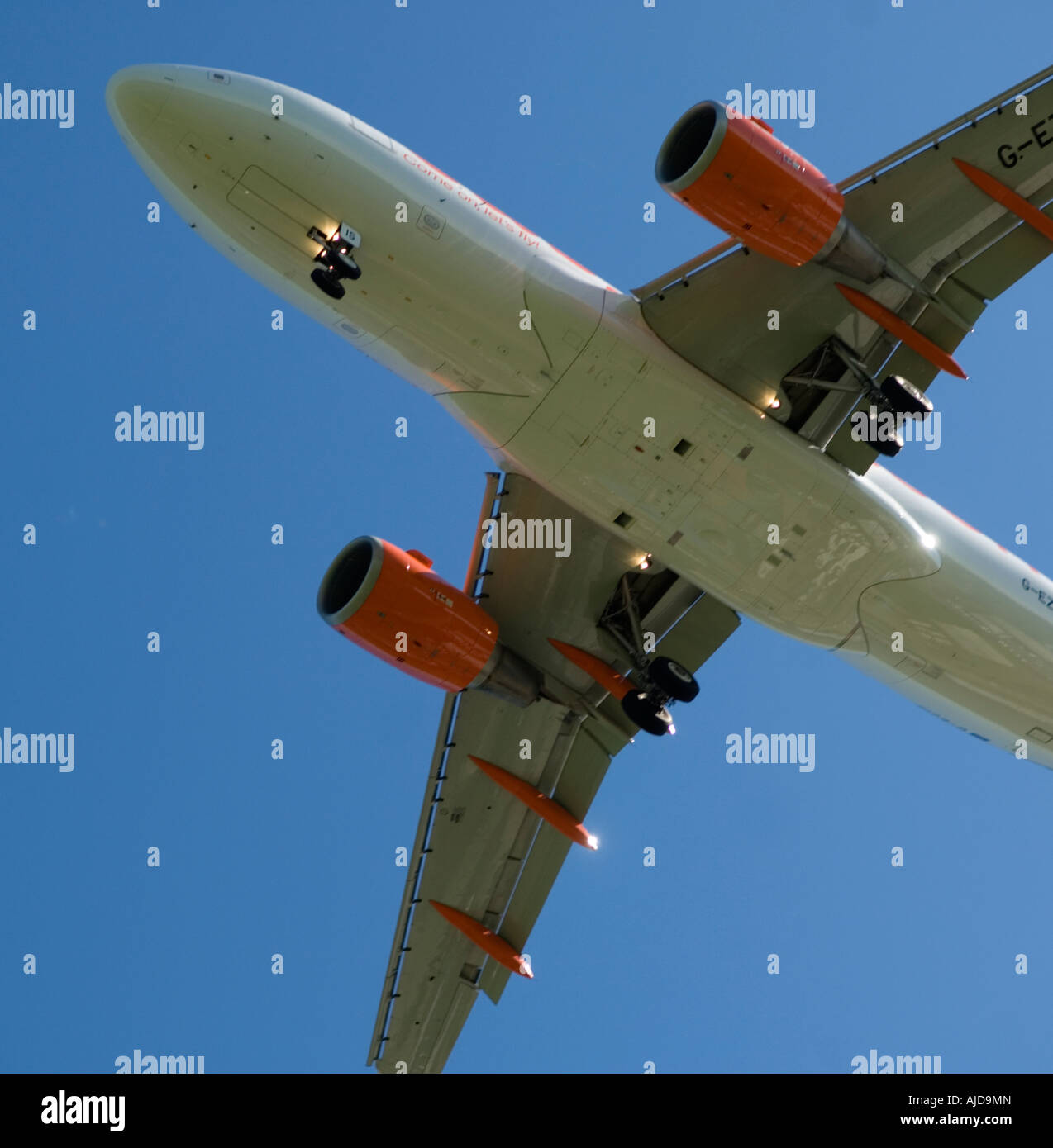 Commercial airliner preparing to land - Stock Image