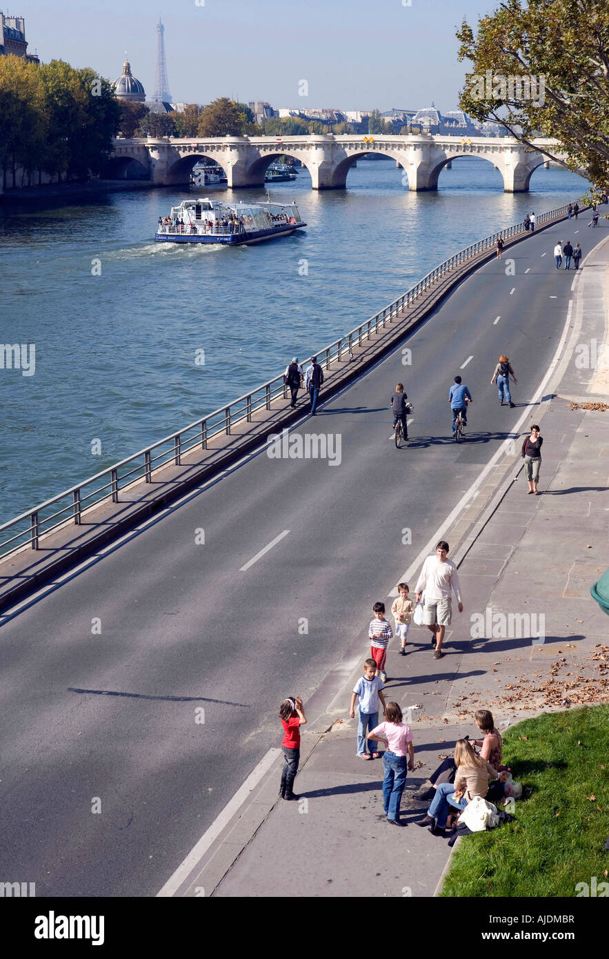France Paris Banks of the Seine river in central Paris closed to traffic on Sundays - Stock Image