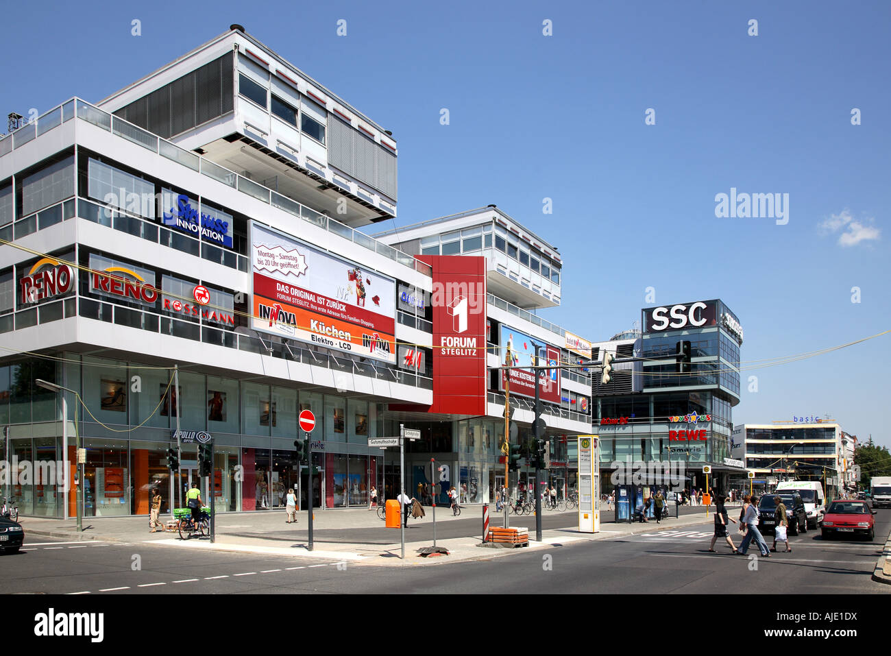 berlin steglitz zehlendorf forum steglitz schloss strassen center ssc stock photo 14708341 alamy. Black Bedroom Furniture Sets. Home Design Ideas
