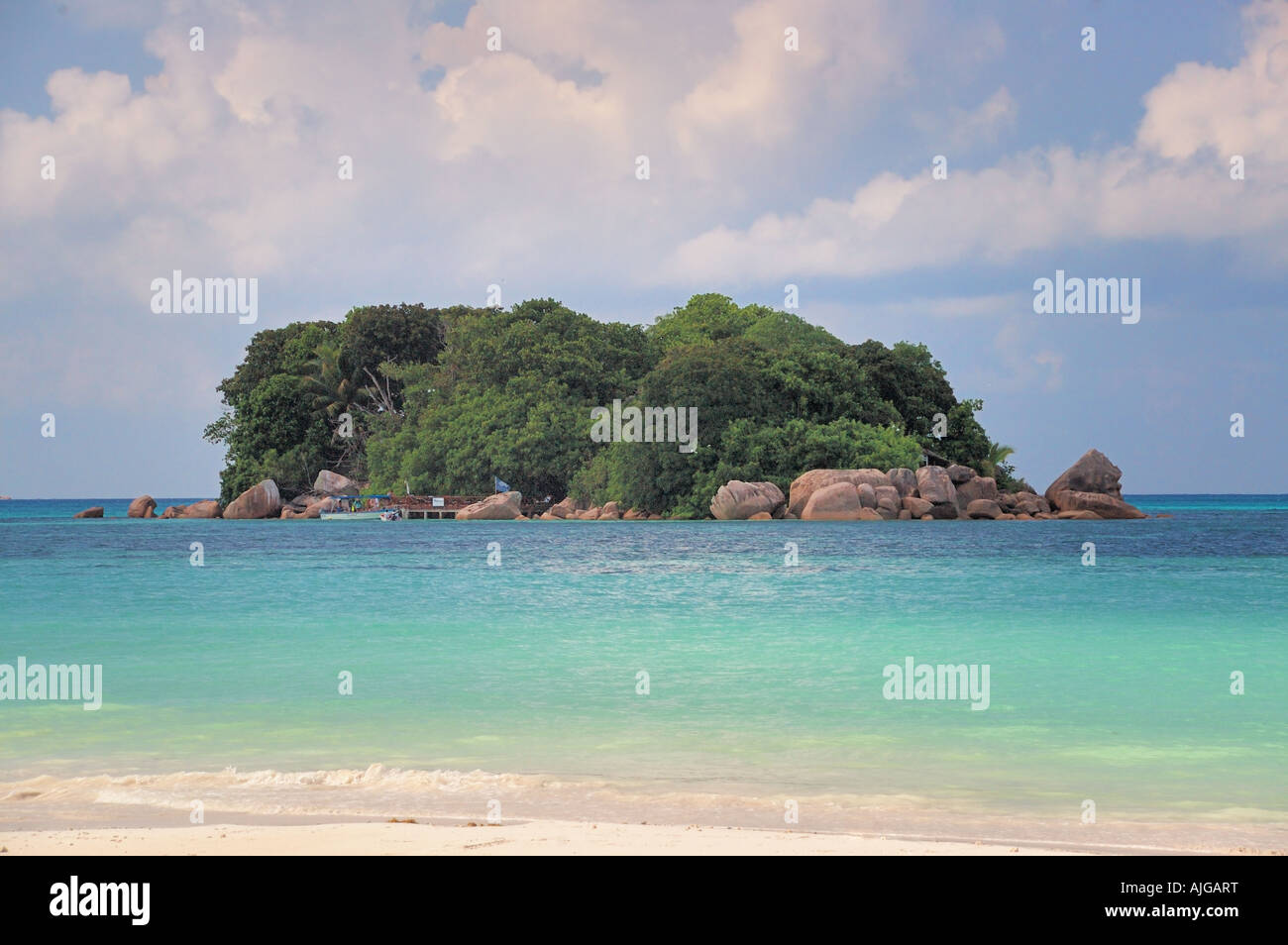 Tiny tropical island in the warm waters of the Indian Ocean Stock Photo