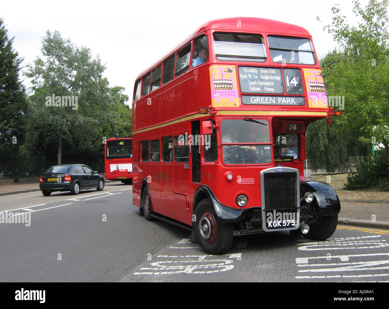 London Preserved RTW Bus at Putney The Green Man Terminus - Stock Image