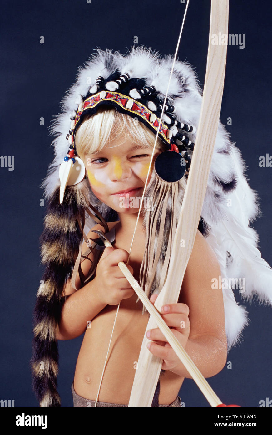 Boy in native american costume - Stock Image