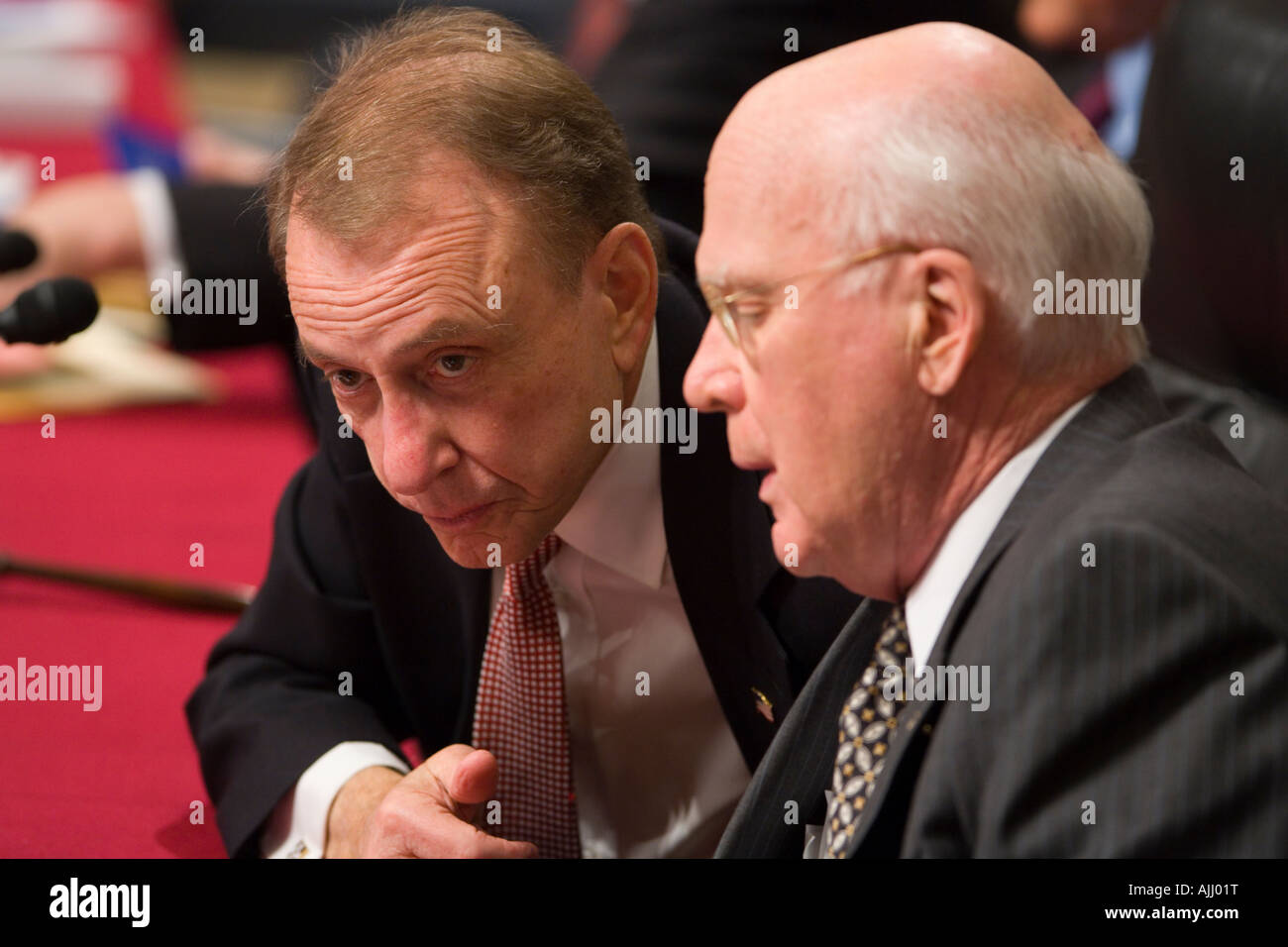 WASHINGTON DC USA U.S. Senators Arlen Specter R-PA, left, and Patrick Leahy D-VT, Senate Judiciary Committee Stock Photo