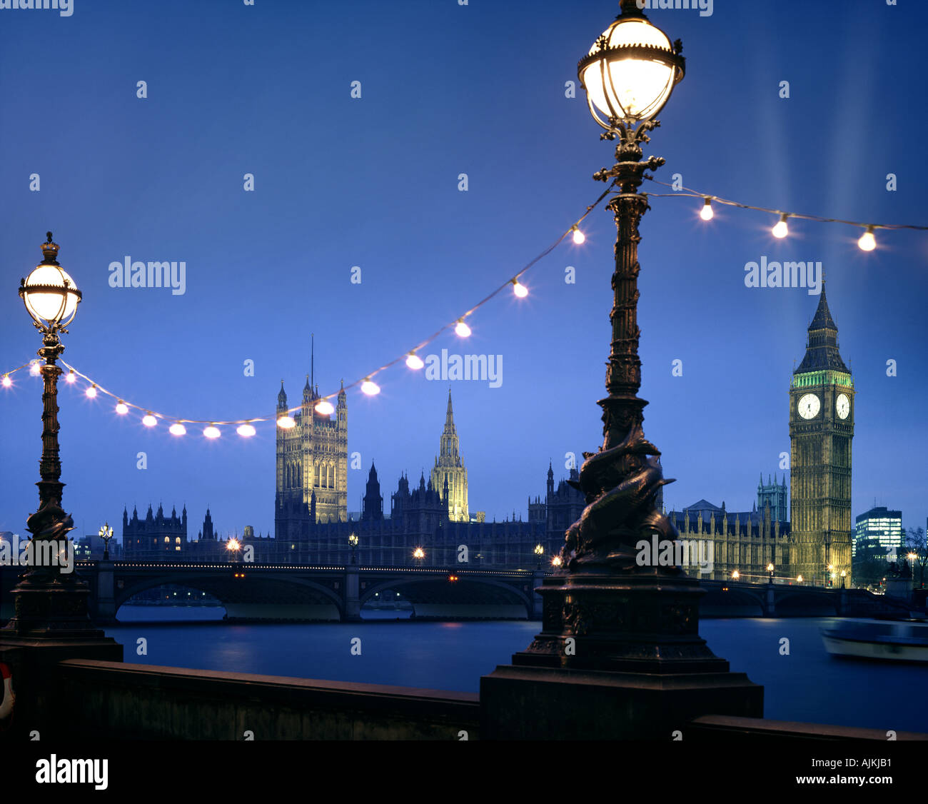 GB - LONDON: Westminster at night seen from South Bank - Stock Image