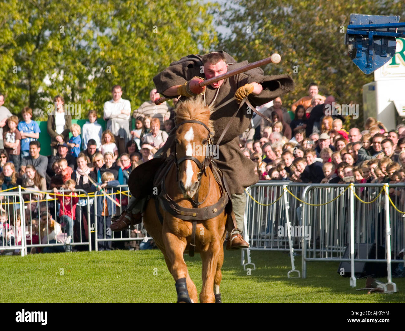 Friar Tuck jousting against the evil Sheriff of Nottingham during the Robin Hood Pageant at Nottingham Castle 2007 - Stock Image