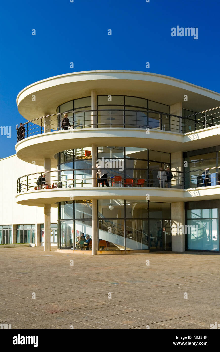 Exterior of the De La Warr Pavilion in Bexhill on Sea East Sussex UK designed by Erich Mendelsohn and Serge Chermayeff - Stock Image