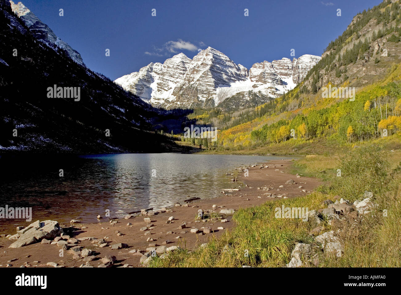 Maroon Bells Colorado With Aspen Trees In Fall Colour Snow