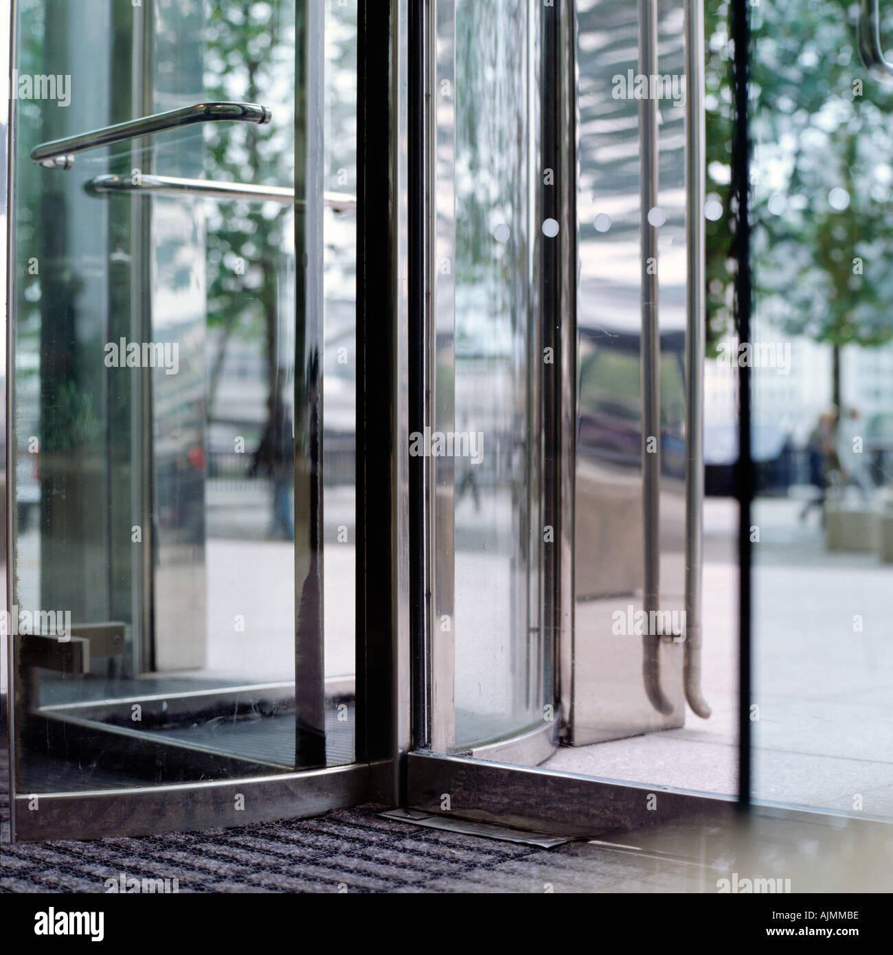 Revolving door - Stock Image & Glass Revolving Door Stock Photos u0026 Glass Revolving Door Stock ...