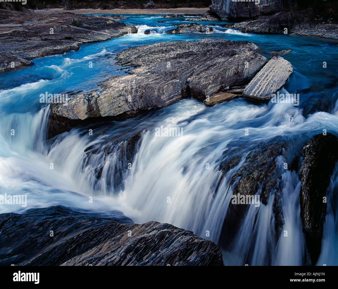 Fluss mit kleinem Wasserfall im Jasper Nationalpark creek with a small waterfall in the Jasper National Park Alberta - Stock Image