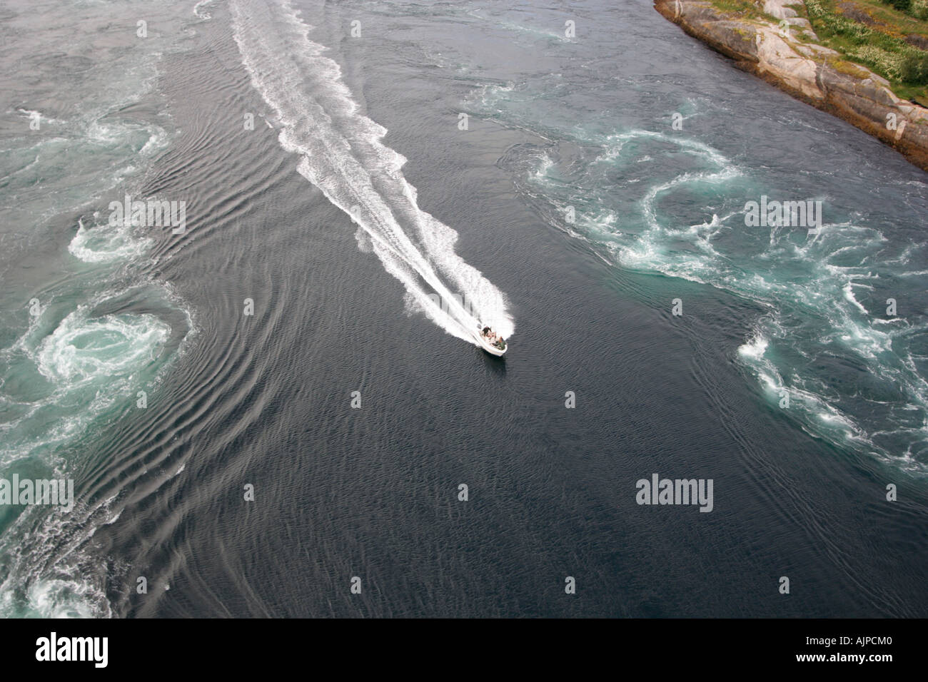 saltstraumen - strongest maelstrom in the world whirlpools near bodo ...