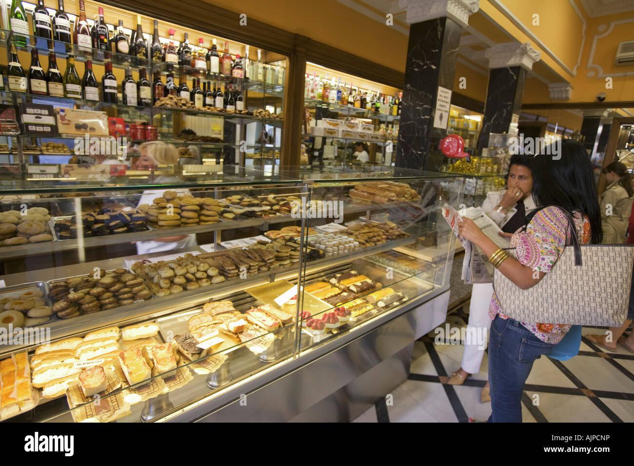 Barcelona Pasteleria La Colmena interieur Stock Photo
