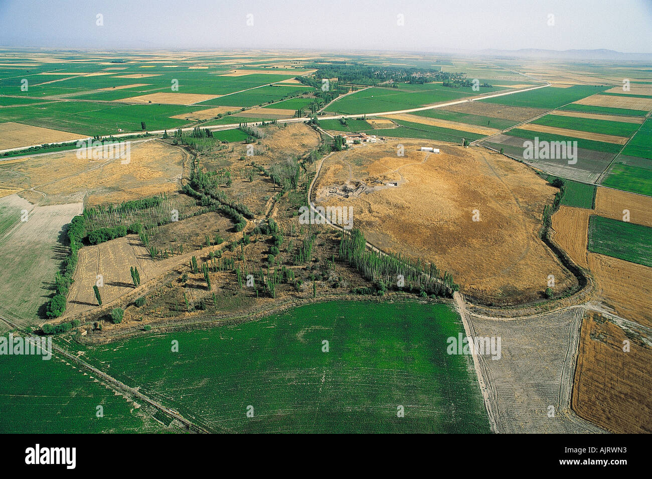 Aerial view of Catalhoyuk tumulus in Cumra, Turkey. - Stock Image